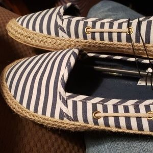 Nautical Boat Shoes   (NEVER WORN)